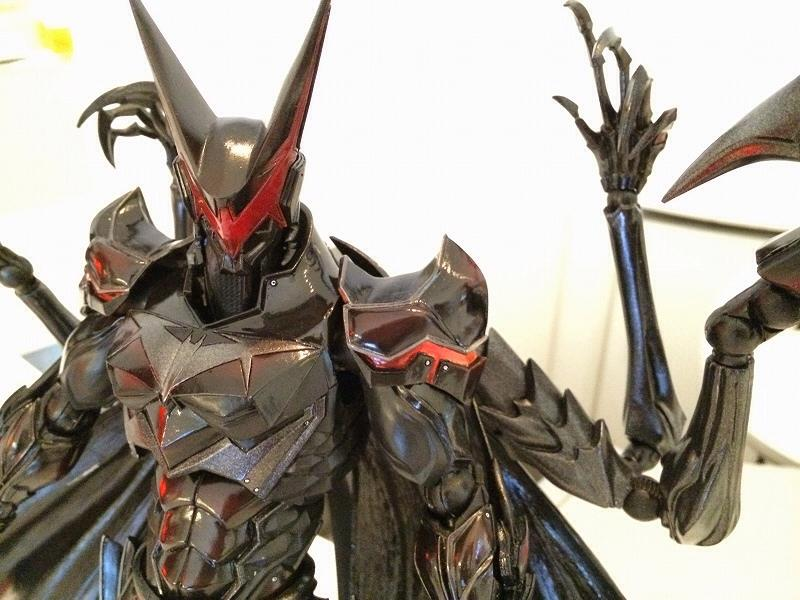 play-arts-kai-batman-4
